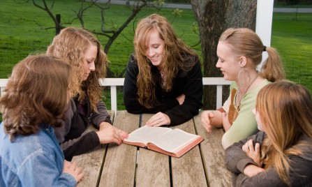 The Principles of Christian Youth Evangelism - ThoughtCo